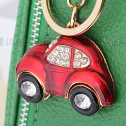 Wholesale Red Beetle Classic Crystal Zinc Alloy Automobil Keychains Handbag Accessory for Women Auto fan handbag accessories