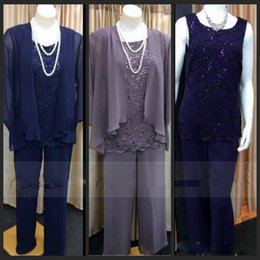 Lace Three-Pieces Mother of the Bride Suits for Wedding Party with Long Jacket Jewel Neck Mother's Pant Formal Pant Suit Purple Navy Blue