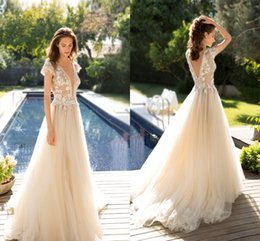 Emanuel 2016 Backless Beach Wedding Dresses Cap Sleeves Beaded Lace Wedding Gowns Vintage Champagne Bridal Dresses