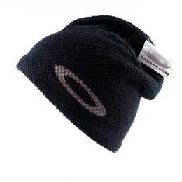 Wholesale Fasion Brand men women Unisex Skiing Snowboard Skull knitted Hats Outdoor Sport Beanies For Men and Women Cpas