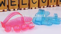 Wholesale Pet bathing brush soft fingers transparent brush the dog bathing gloves brush Massage shampoo brush