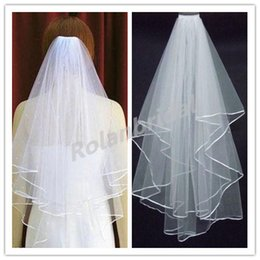 Wholesale Most Romantic Beautiful LAYERS White Bridal Veil Inexpensive Vintage Simple Wedding Veil New Bridal Accessory for Wedding Dress