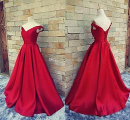 Cuadros reales rojo largo del fugitivo alfombra roja vestido de noche para las mujeres vestido formal con el suelo de Hombro Longitud del partido de los vestidos de raso prom desde alfombra roja del hombro fuera fabricantes