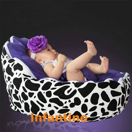 Wholesale beanbag chair for baby sleep COW With Purple harness seat portable feeding chairs