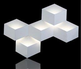 Wholesale 5 heads w magic led Wall Light aluminum Stereo Rhombus Ice Cube D Wall Lamp Geometric Square Grid Box indoor lighting