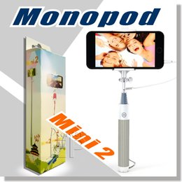 Wholesale Selfie Stick Easy Plug n Play Cable Operation Advanced Monopod For All iPhones iOS Samsung Galaxy Note Android Phones