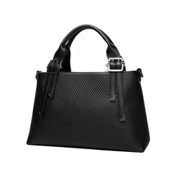 Wholesale latest designer handbags uk black leather handbags jacquard leather fashion elegant handbag heaven buy handbags online Z M602
