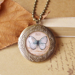 Wholesale Antique Vintage Photo Locket Pendant Necklace Butterfly Eiffel Tower Bird Glass Locket Pendants Long Beads Chain for Best Friends nxl040