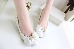 Wholesale 2015 Wedding Dresses Pearls Bridal Shoes Bow White Hand Made Lace Applique Shoes Elegant Fashion Sexy Party Shoes Timberlands Shoes Sexy