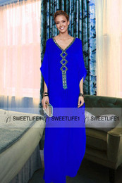 Sweep Train Royal Blue Chiffon Dubai Kaftans 2019 Popular Beaded Crystals V Neck A Line Evening Gowns Arabic Muslim Party Dresses