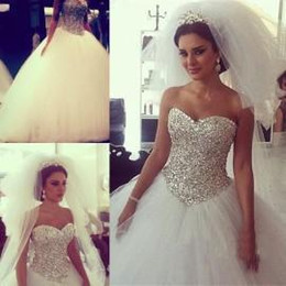 2016 Ball Gown Wedding Dresses with Crystals Wedding Gowns Royal Princess Gowns Sweetheart Corset Court Train Fluffy Bridal Gowns