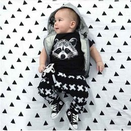 Wholesale Hot New Summer Children Clothing Suits ISN Boy Sets Langtou Printed T shirt Pants Set Baby Boys Casual Sportswear Infant Clothes
