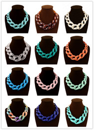 Wholesale Women Simple Fluorescence Necklace New Fashion Jewelry Girls Vintage Necklace Fashion Available Collar Acrylic Necklace for Women Gifts