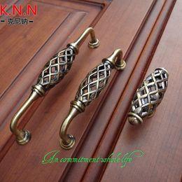 Wholesale Nest personalized bronze handle handle modern European wardrobe cupboard drawer wooden door hardware Furniture Handles