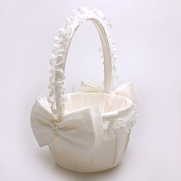 White Lace Edge Flower Baskets With Pearl Bows For Wedding Supplies Bridesmaid Flower Girl Hold Baskets Free Shipping