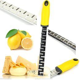 Wholesale Lemon Zester Cheese Grater Kitchen Tool Best Durable Stainless Steel to Easily Grate Zest Citrus Oranges Coconut Chocolate