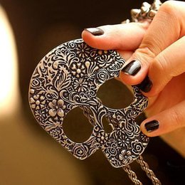 Wholesale European Fashion Antique Metal Punk Skull Necklace Women Long Chain Pendant Necklace Sweater Chain In Jewelry