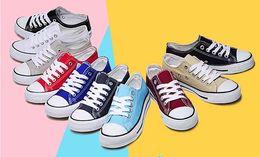 2017 altos tops hombres 45 Zapatillas de lona clásicas unisex en varios colores altos tops hombres 45 baratos