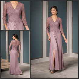 Wholesale Three Quarter Sleeves Dusty Rose Pink Mother of the Bride Dresses Chiffon with Lace Top Front Slit Groom Mother Dresses for Beach Wedding