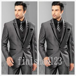 Fashionable One Button Grey Groom Tuxedos Peak Lapel Groomsmen Best Man Wedding Prom Dinner Suits (Jacket+Pants+Vest+Tie) G5180