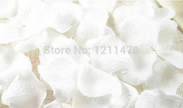 5.5 * 5.5cm 1000 pcs lot white red and pink fabric rose petals for weddings decoration