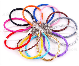 Descuento broches para los encantos Nuevo cuero multicolor de alta calidad trenzada del encanto Cadenas Cuentas Big Hole pulseras del amor para Bead corchete de la langosta
