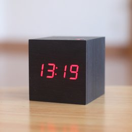 Wholesale Modern Bedside Alarm desk Clock Luminous Digital Watch Board living room LED table clocks mini wood Despertador with Calendar