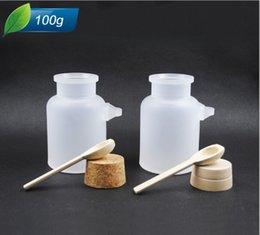 Wholesale 100g g bath salt round shape ABS Bottle Cosmetic bottle Jars with cork spoon g Bath Salt Powder Bottle ABS Cream film Bottle
