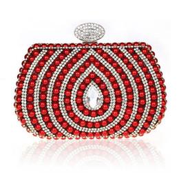 2017 señoras monederos moldeado 2016 Pearl embrague de las mujeres de la moda de la manera que casa el monedero rebordeó nuevo negro rojo de plata de oro damas partido bolsas señoras monederos moldeado en venta