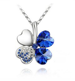 Have no Nie Four leaf grass crystal necklace mourn to fall to Foreign trade decoration The vogue lady goes together with a decoration