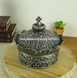 Wholesale Antique Carving Crown Shape Metal Jewelry Storage Case Alloy Princess Trinket Box Wedding Favors Mini Size