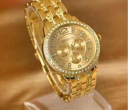 Hot Geneva Stainless Steel Watch Fashion Metal Quartz Wristwatches for Women Men Unisex Luxury Watches Geneva Crystal Watches Gold watches