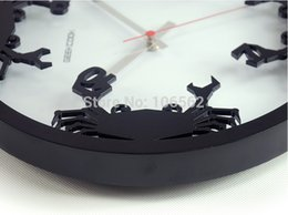 Wholesale GEEKCOOK wall clock kitchen Freshwater crab D wooden Wall clock advertising clock home decorations animated wall clock retro
