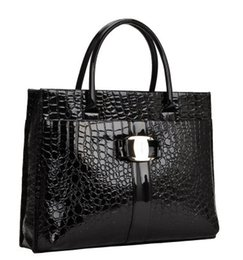 Wholesale Large Tote Patterns - 2012 new PU patent leather crocodile pattern handbag large bag commuter portable shoulder messenger bag handbags