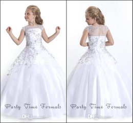2016 White Princess Flower Girl Dresses For Wedding Sheer Jewel Neck with Beads Appliques Beautiful Communion Dresses for Child BA1497
