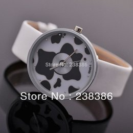 TGJW426 Unique Design High Quality Watch Unisex Clocks Fashion Wristwatches Cows and CD Watch Face 2 Colors .