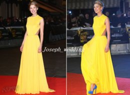 Wholesale Rosamund Pike Lights Up the Jack Reacher Red Carpet In Yellow Colour Chiffon Backless Long Celebrity Dress MX084