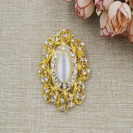 Wholesale Fashion Brooches womens big flower gold welding process Pop fashion suit Rhinestone accessories for wedding party L98