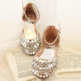 Wholesale Hot and in the new fashion wedding shoes silver Rhine flat shoes for women s shoes bride wedding the bride s shoes sandals