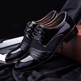 2016 new Size 6.5-11 Mens Dress Shoes Fashion Oxford Shoes For Men Black   Brown PU Leather Wedding & Formal Flats chaussure homme