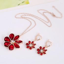 Hot Sale Sparkle Swarovski Crystal Element Rhinestone Floral Shape Garnet Necklace Popular Chain Necklace for Ladies