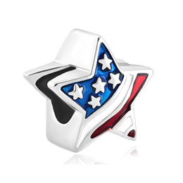 Wholesales Metal USA Flag Patriotic Stars and Stripes Bead Enamel Plated Silver Plated Jewelry Fashion Charms Fits for Bracelets