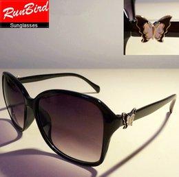 2015 New Brand Vintage Sunglasses Women 10 Colors Square Frame Butterfly LOGO Fashion Driving Sun Glasses gafas de sol YJ075
