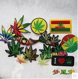 Wholesale Iron on embroidered patches mixed colors Maple Leaf