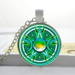R00139 2015 New Glass Cabochon Necklace Triple Moon Goddess Necklace Triple Moon Goddess Jewelry Sliver Pendant Art Glass Necklace