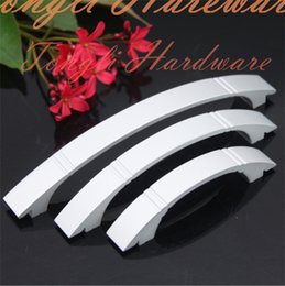 Wholesale high quality Silver aluminum alloy solid door handle pull for cabinet kitchen drawer thick Pitch row mm