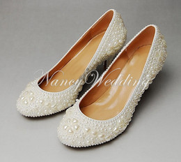 Wholesale 2015 Attractive Round Toe Full Pearl Bridal Wedding Dress Shoes Comfortable Middle Heel Shoes for Bride Anniversary Party Shoes