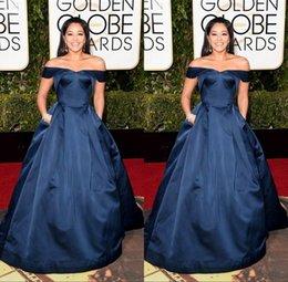 Descuento alfombra roja del hombro fuera 2016 Gina Rodríguez 73a Globos de Oro Alfombra roja viste por encargo del Apagado-hombro del vestido de noche Azul marino con bolsillos celebridad del vestido