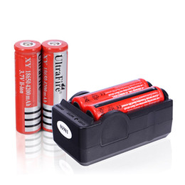 Wholesale 4 v Rechargeable Lithium Batteries mAh Laser Bateria with Charger for LED Flashlight Toch