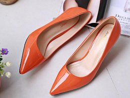 Wholesale Fashion women High Heels pointe toes PU Patent Leather Shoes solid spring fall summer dress shoes kitten heel pumps green drop shipping